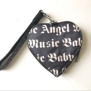 LESPORTSAC Lamb Stefani zip heart wristlet bag